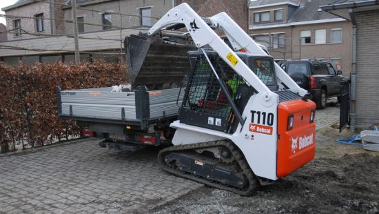 mini_carregadora_compacta_bobcat_3