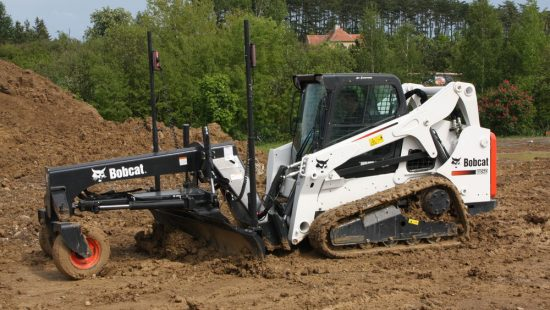 mini_carregadora_compacta_bobcat_4