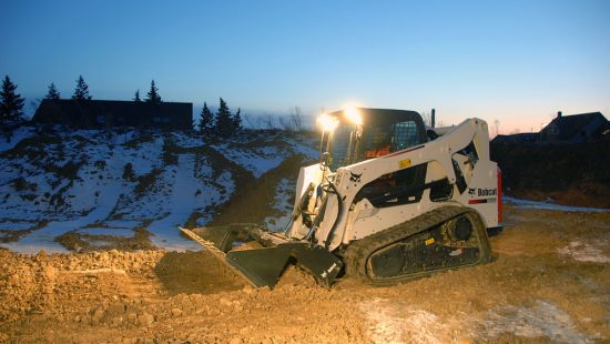mini_carregadora_compacta_bobcat_6